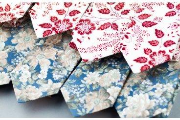 Nové květinové kolekce dámských i pánských kravat a motýlků.