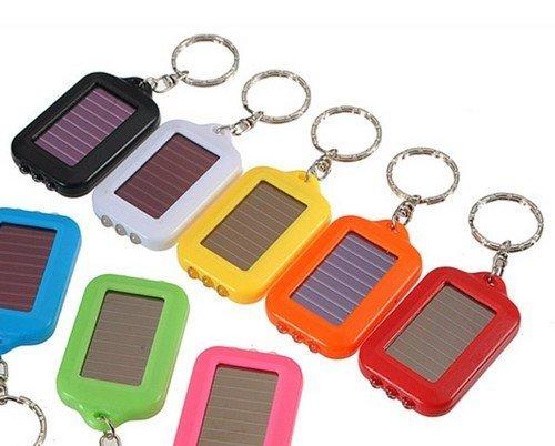 solarna-klucenka-s-tromi-led-diodami
