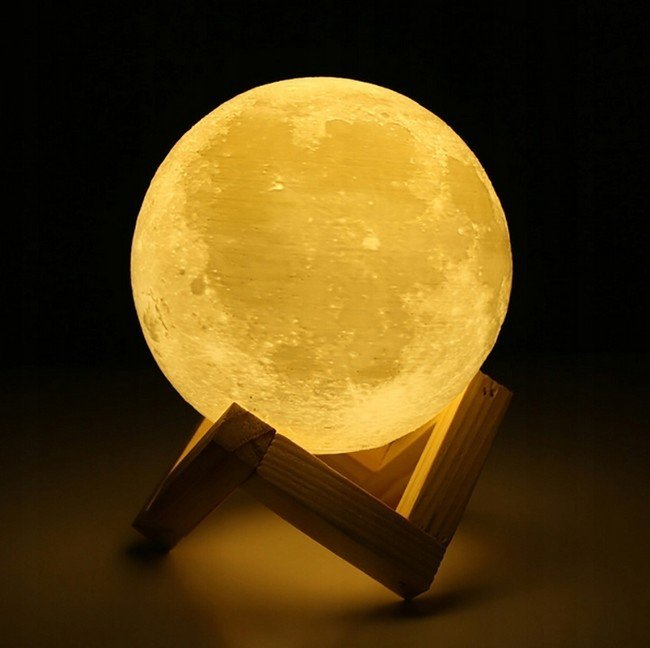 5c8739dfc Nočná lampa 3D MOON LIGHT | Darčeky123.sk