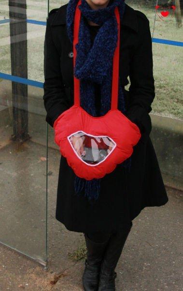 Zamilované rukavice s okénkem pro smartphone