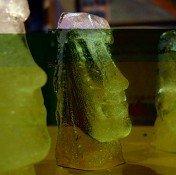 Forma na led MOAI