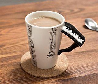 Pianový hrnek