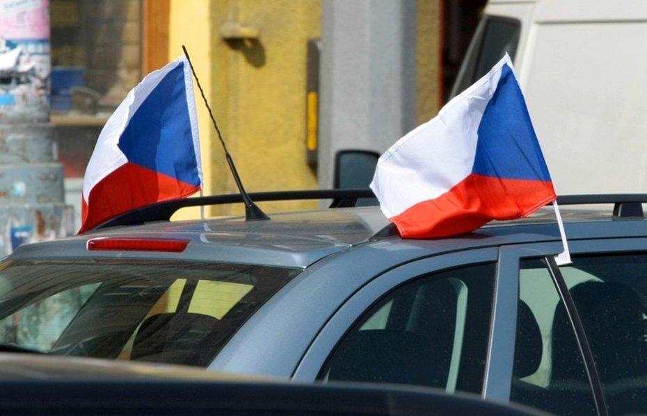 Vlajka na auto