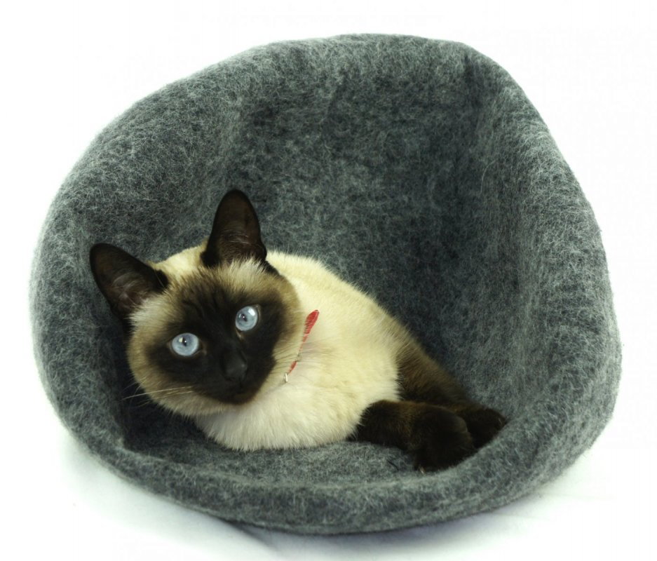 Ručně plstěný Cocoon pelíšek z ovčí vlny pro kočky