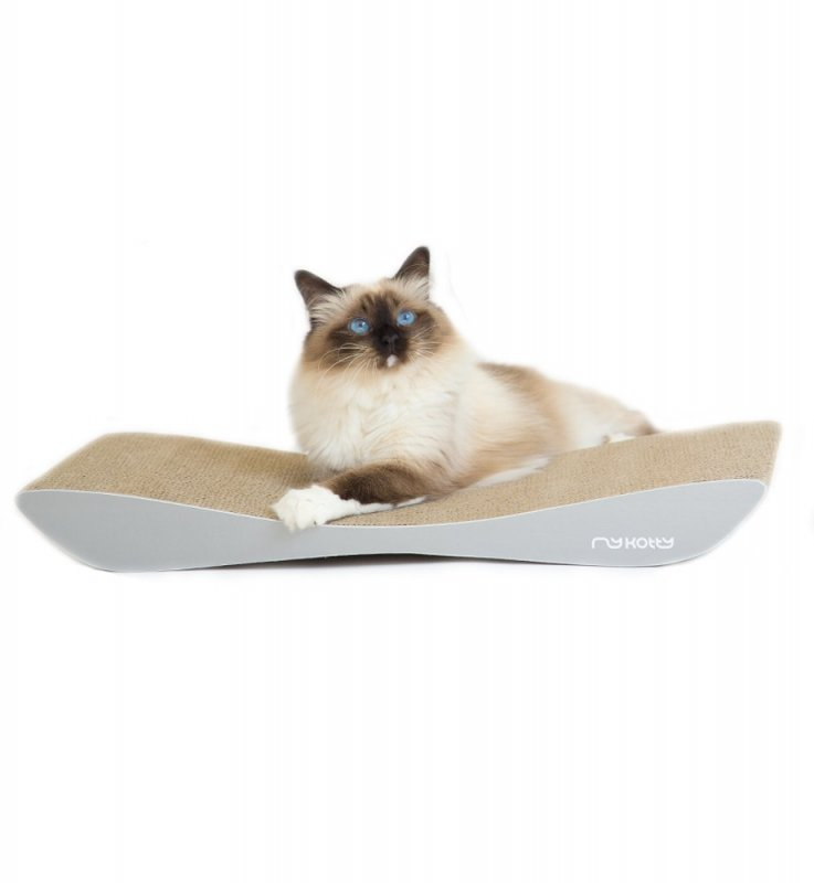 Designové škrabadlo pro kočku z kartonu
