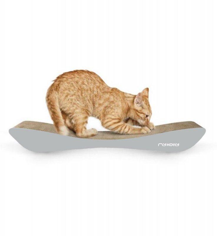Kartonový nábytek pro kočky
