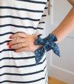 Modrá dámska mašľa s kotvami
