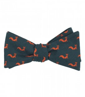 Foxes self-tie bow tie