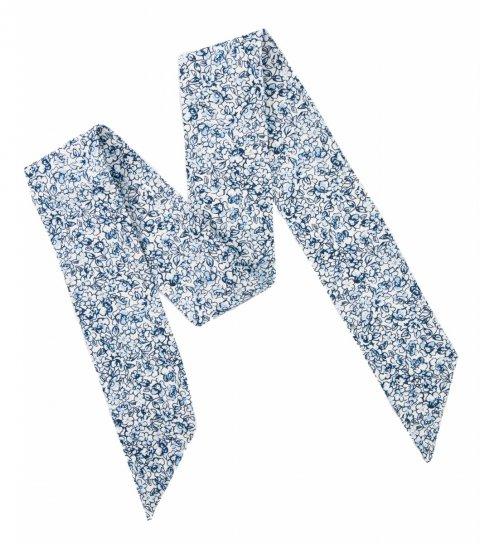 Bílá dámská mašle s modrými kytičkami