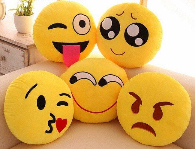 plysovy-polstar-emoji-30-cm