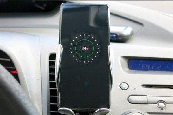 Okos autótartó érzékelővel és S5-ös vezeték nélküli töltéssel