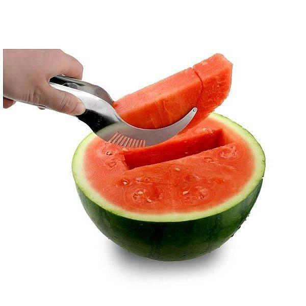 prakticky-nerezovy-krajec-na-meloun