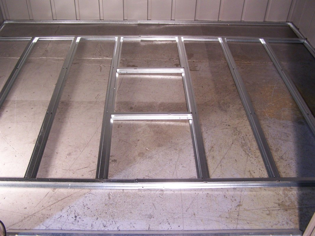 podlahová základňa ARROW 108 / 1010