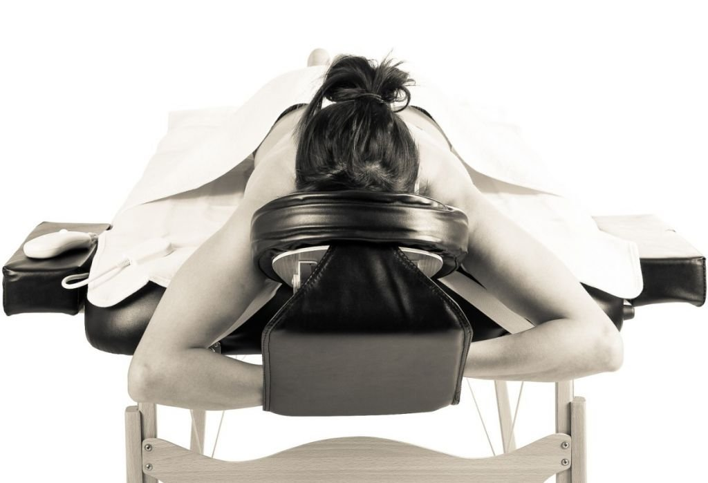 Prenosné masážne lehátko, čierne