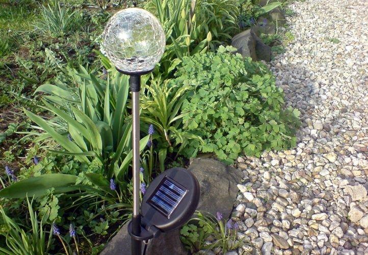 Záhradná sada solárnych LED lámp - 3 sklenené gule s farebnou zmenou