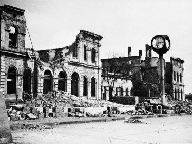 Jaro 1945 v Karlových Varech