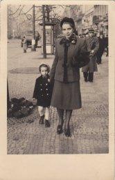 Helena s tetou Luci 1939