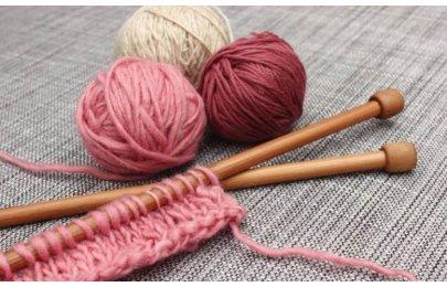 Relaxujeme při pletení a háčkování