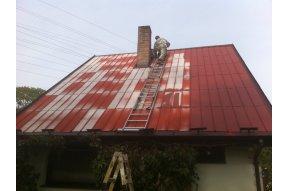 Klempíři, klempířské práce Klempíři - práce na střeše rod. domu
