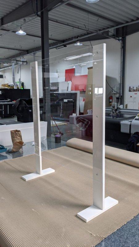 Antivirová průhledná ochranná přepážka z plexi skla