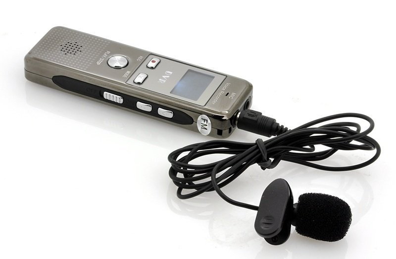 Citlivý diktafon s aktivací hlasem