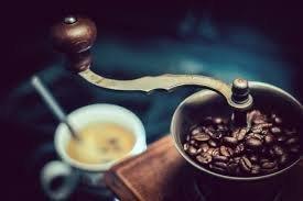 Mlýnek na kávu 1945