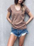 Bavlněné basic tričko do V - Camel