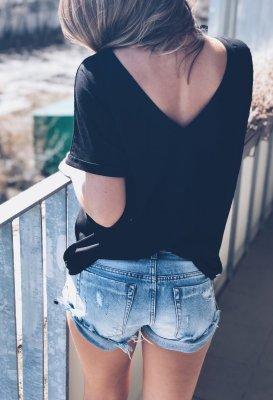 Tričko s V výstřihem na zádech - Černé