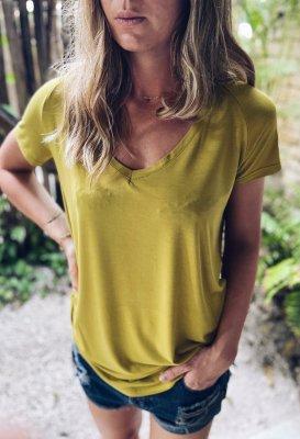 Basic tričko do V - Žlutozelené (bambus)