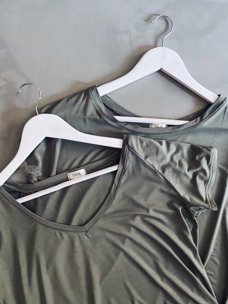Basic tričko do V - Khaki (bambus)