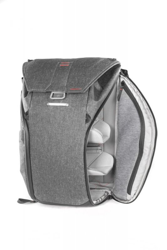 Foto batoh od Peak Design - Everyday Backpack