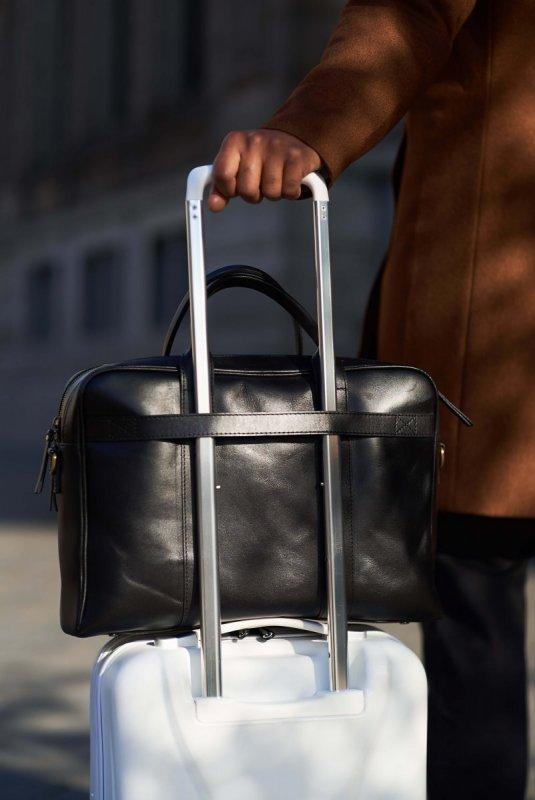 Černá kožená taška