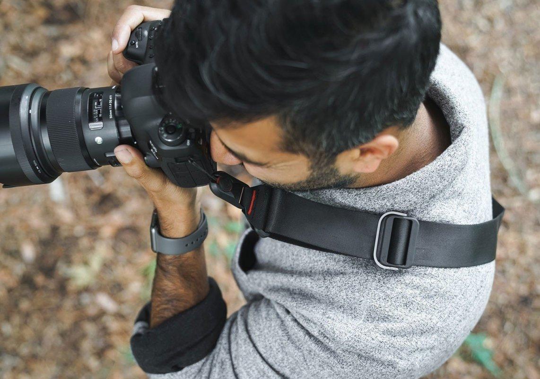 Rychloupínací popruh Slide na fotoaparát - světle šedý