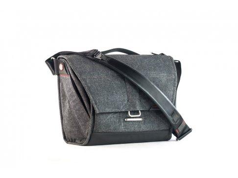 Everyday Messenger bag - taška tmavě šedá