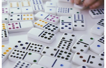 Ako sa hrá domino?