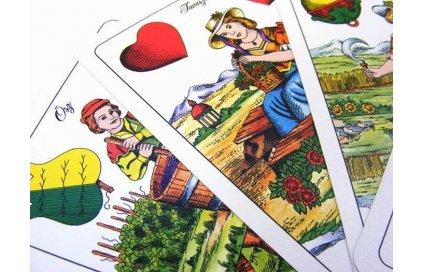 Hry so sedmovými kartami