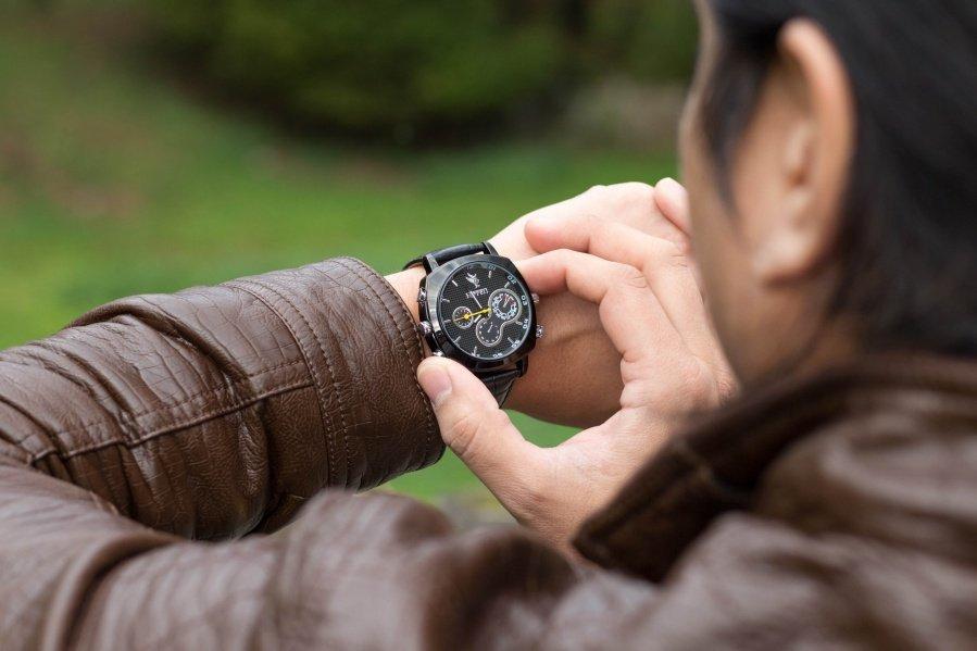 Špionážní hodinky, 1920x1080px