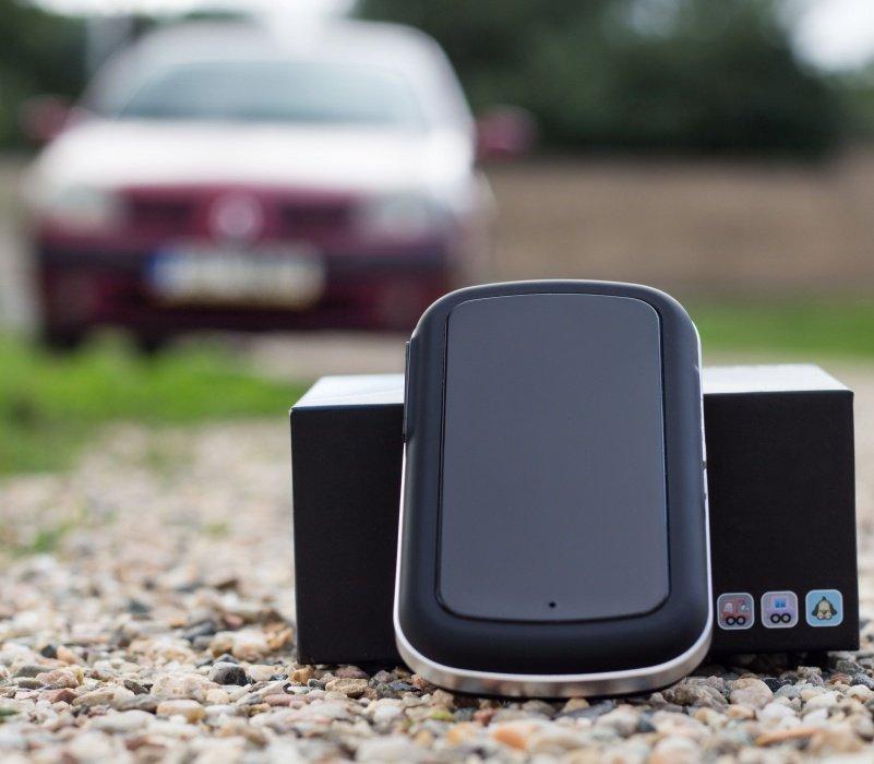 GPS lokátor do auta Secutek SGT-208 - výdrž 100 dní