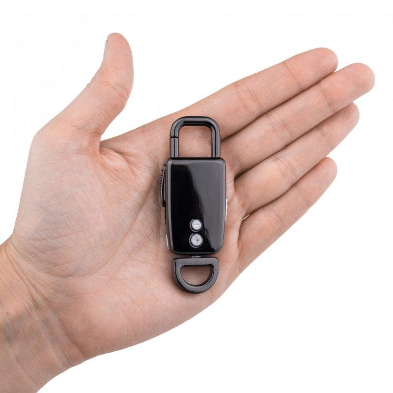Дигитален диктофон в карабинер