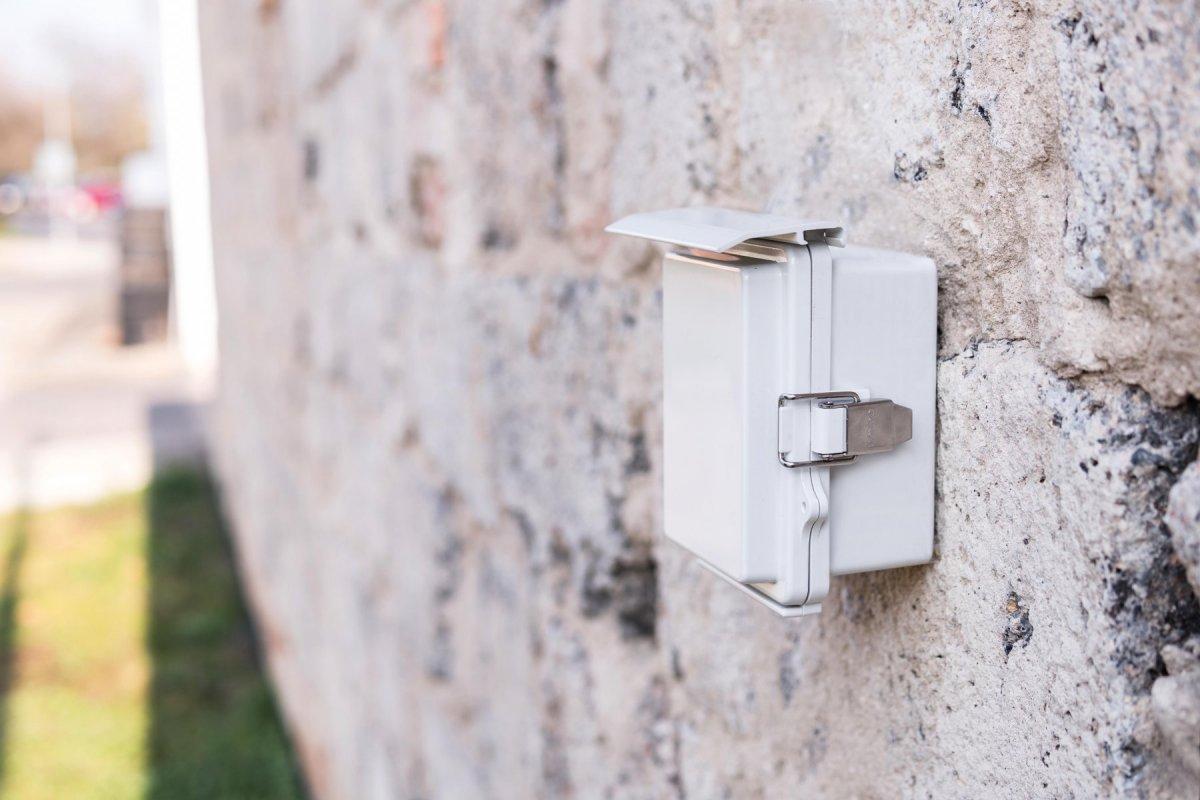 Outdoorový 4G modem Secutron LS-M1 s vlastní baterií a dálkovým spínáním