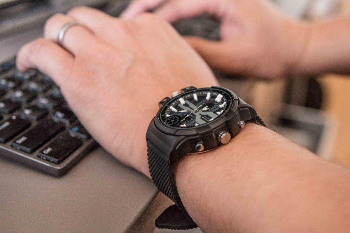 Super HD špionážní hodinky T6L