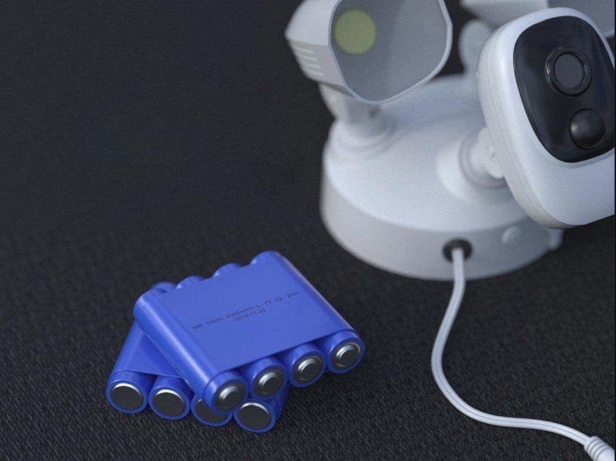 Bezdrátová bezpečnostní WiFi kamera s LED reflektory a solárním panelem Secutek SRT-FC1T