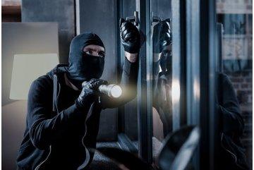 Jak zajistit prostor před dveřmi proti vandalství