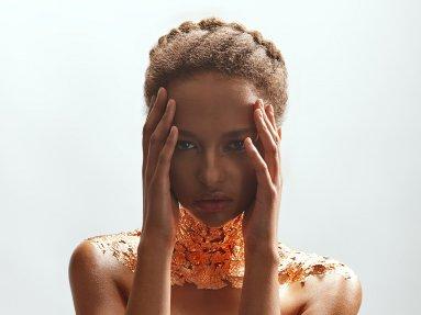 makeup: Linda Chudomelova