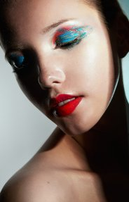 makeup: Marketa Zakostelska