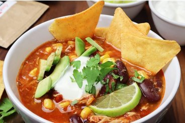 Mexická polévka s trhaným kuřecím masem