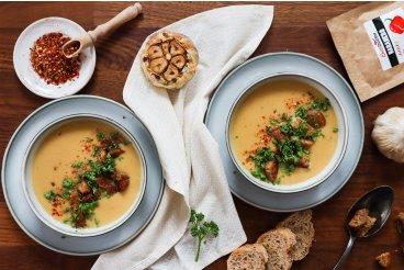Fazolová polévka s pečeným česnekem