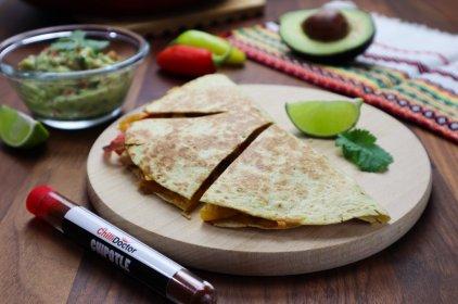 Quesadilla s guacamole