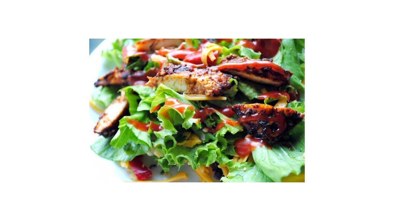 Taco šalát s grilovaným ancho kurčaťom