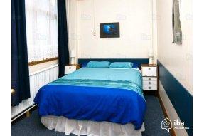 Hostel - kuchyň a společenská místnost